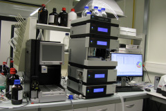 13_Flash-and-HPLC_IMG_9765